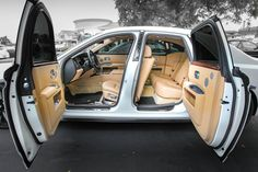 Rolls Royce is undisputedly among the most luxurious and extremely preferred wedding cars on the planet. Maybach 62 might be the ultimate auto in limousine luxury Voiture Rolls Royce, Rolls Royce Cars, Classic Cars British, Old Classic Cars, Rolls Royce Phantom, Rolls Royce Ghost Interior, Rolls Royce Black, Super Pictures, Bentley Car