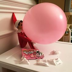 All you need is a balloon to pull this one off! From SamOurElfOnTheShelf.