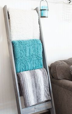 DIY Blanket Ladder, stained gray - love the turquoise and grey color palette