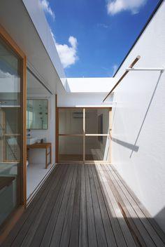 Image 4 of 34 from gallery of House in Futakoshinchi / Tato Architects. Photograph by Mitsutaka Kitamura