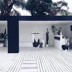 We spy our gorgeous Noosa Hammock Swing on amazing deck! Outdoor Rooms, Outdoor Living, Outdoor Decor, Alfresco Area, Villa, Hammock Swing, Backyard Patio Designs, Pool Designs, Decoration