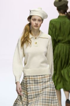 Margaret Howell at London Fashion Week Fall 2012 - Runway Photos Anti Fashion, Daily Fashion, Love Fashion, Fall Fashion Trends, Winter Fashion, College Fashion, College Outfits, School Outfits, Preppy Look