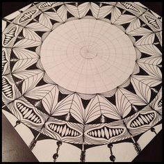 Tangled Tuesday No. 39 - blog post by Laurel Regan at Alphabet Salad. #zentangle