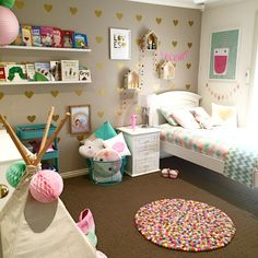 little girl's room decorated in pink, white & gold | easy ideas to