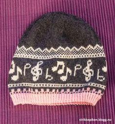Risultati immagini per fair isle music Crochet Crafts, Yarn Crafts, Sewing Crafts, Crochet Pattern, Knit Crochet, Knitting Patterns, Knit Mittens, Knitted Shawls, Baby Barn