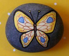 Rocks - Visto en: http://hesellsshesells.weebly.com/rocks.html