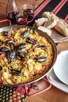 All the seafood and plenty of vegetables, just love good paella