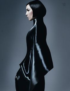 Noomi Rapace in dress by Iris van Herpen photo: Sølve Sundsbø