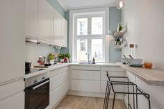 FINN – GAMLEBYEN - Moderne og fresh 2-roms med god takhøyde, HTH-kjøkken fra 2015, eikeparkett og klassiske detaljer.