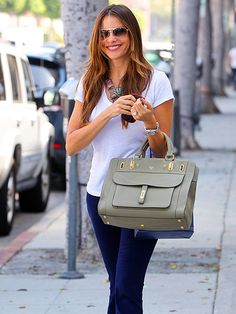 Amazing bag alert! I'm seeing big bags and little clutches this season!