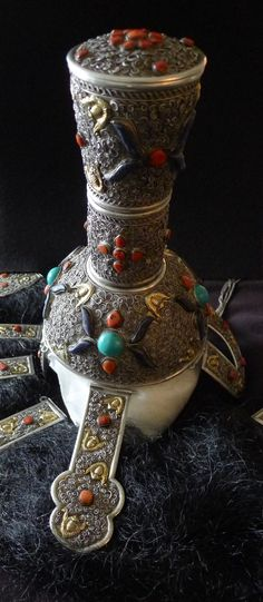 Women's headdress, Khalka style, silver, coral, turquoise and lapis lazuli. Private collection