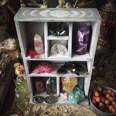 This is all for the lovers of crystals and good vibes. I love crystals and slowly building a collection. Great way to find ways to store your crystals or create a list of the one's you want to have. Crystals are great to have around.