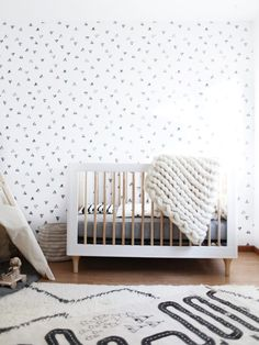 H's Room | The Reveal! babyletto Lolly Crib in White and Natural