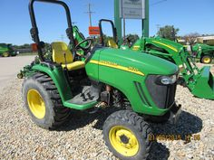 John Deere 3520 in Greenfield