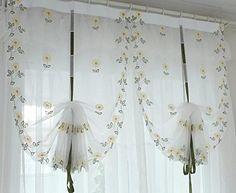 Resultado de imagen para pinterest flores de tela para cortinas