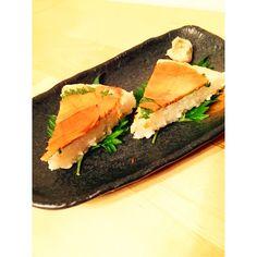 炙りサーモンの押し寿司