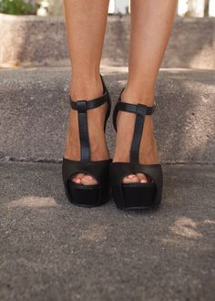 Sweet and Sassy Black Heels - Modern Vintage Boutique Stylish Clothes For Women, Trendy Shoes, Cute Shoes, Understanding Women, Modern Vintage Boutique, Shoe Boutique, Boutique Fashion, Ladies Boutique, Womens High Heels