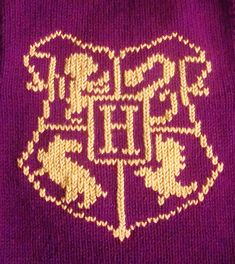 Ravelry: Hogwarts School Crest Chart pattern by Danielle MacDonald