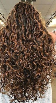 Dyed Curly Hair, Long Curly Hair, Curly Girl, Wavy Hair, New Hair, Curly Hair Styles, Pretty Hairstyles, Braided Hairstyles, Bob Hairstyles