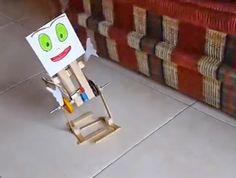 #Robot Caminante en 2 patas - DIY | #Robótica Educativa Diy, Robots, Aluminum Can Crafts, Wayfarer, The Creation, Blue Prints, Cute, Bricolage, Robot