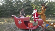 Pas de cadeaux cette année, les rennes du père noël ont été tué par un chasseur ...  http://noemiconcept.com/index.php/fr/departement-informatique/webbuzz-tech-info/206590-webbuzz-du-23-12-2014--un-chasseur-tue-les-rennes-du-p%C3%A8re-no%C3%ABl-a-hunter-kills-santa-claus-deers.html#video