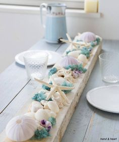 summer table w/ starfishes and seashells