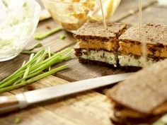 Zebrabrote Feta, Party, Cheese, Snacks, Drink Recipes, Food Portions, Bread, Food Food, Tapas Food