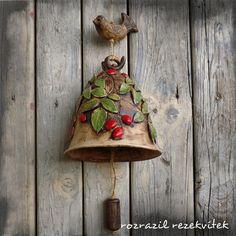 Jen šípky koukají ze závějí - zvoneček