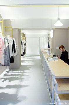 iude designers store minimal bianco Torino