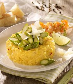 Safran-Risotto mit Spargel: Cremiger Reis mit Safran und kurz gebratenem Spargel