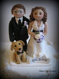 Trinas Trinketts: Wedding Cake Topper with a Yellow Lab and Pretty Lilacs! | Muñequitos de torta de casamiento divertidos y originales