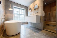 luxe badkamer met sauna Alcove, Bathtub, Interior Design, Bathroom, Bliss, Google, Bath, Bathing, House