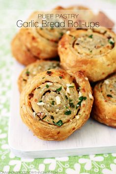 10-Minute Garlic Bread Roll-Ups