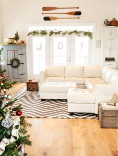 Contemporary Christmas decor - pretty