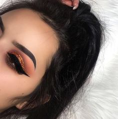 "2,915 Likes, 10 Comments - Morphe (@morphebrushes) on Instagram: ""If you're in love with matte shades, then this baby is perfect for the fall. @ouhshesjennifer is…"""
