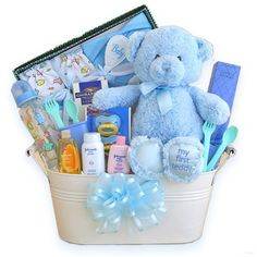 What was the best baby shower gift you got when you were pregnant with your babies? And what& your go-to baby shower gift idea? Baby Boy Gift Baskets, Baby Shower Gift Basket, Baby Shower Gifts For Boys, Baby Boy Gifts, Baby Shower Parties, Baby Boy Shower, Baby Showers, Baby Hamper Ideas Diy, Basket Gift