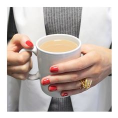 We've got our Bill Skinner jewels on, red nails done ready for the weekend... Now time for a tea break! #lavishalice #billskinner #valentines #day #weekend #red #jewellery #ootd #ootn #bloggers #fbloggers