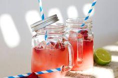 17 juli - Watermeloen in de bonus - Serveer 'm ijskoud, dan is deze shake het allerlekkerst! Recept - Framboos-watermeloenshake - Allerhande