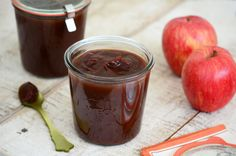 Apple butter with full apples spoon side POST Crock Pot Slow Cooker, Slow Cooker Recipes, Gourmet Recipes, Yummy Recipes, Recipies, Apple Recipes, Fall Recipes, Weck Jars, Lebanese Recipes