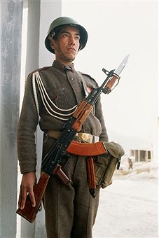 Soldier of the Afghan army in Kabul. Pin by Paolo Marzioli