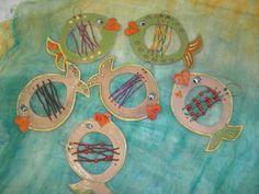 Ryby s koralky Art Kits For Kids, Animal Crafts For Kids, Art Lessons For Kids, Art Lessons Elementary, Kids Art Table, Grade 1 Art, Sensory Art, Cement Art, Kids Clay