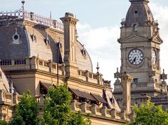 Leave the car and take the train to Bendigo: Not only is the V/Line service from Melbourne to Bendigo frequent and relatively quick (it takes just under two hours to get there), but its majestic, Victorian-era railway station is worth the trip alone. The entire town—a gold mining boomtown—is packed with gorgeous Victorian architecture, including the Alexandra Fountain, post office, and the glamorous Hotel Shamrock, established in 1854. Before hitting the streets, stop by the Bendigo Visitor…