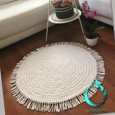 Hand Work Embroidery, Embroidery Fabric, Dyi Rugs, Hand Work Design, Rope Rug, Crochet Carpet, Jute Crafts, Boho Diy, Hand Embroidery