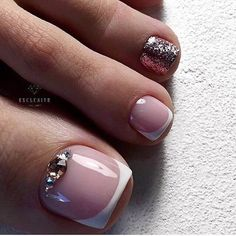 Pretty Toe Nails, Cute Toe Nails, Pretty Toes, Toe Nail Art, Diy Nails, French Pedicure, Manicure E Pedicure, French Nails, Chevron Nails