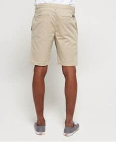 Shop Superdry Mens International Slim Chino Lite Shorts in Sand Dollar. Buy now with free delivery from the Official Superdry Store. Khaki Shorts Outfit, Chino Shorts, Men's Shorts, Khaki Pants, Sperrys Men, Slim Chinos, Work Shorts, Superdry Mens, American Eagle Men