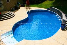 Swimming Small Yard, Small Pool How To Choose Fine Linens For Your Home Article Body: Nothing change Vinyl Pools Inground, Small Inground Pool, Small Backyard Pools, Backyard Pool Designs, Swimming Pools Backyard, Swimming Pool Designs, Pools For Small Yards, Kleiner Pool Design, Rectangle Pool