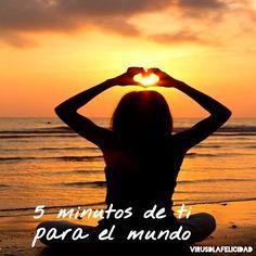 Hoy es lunes así que nos toca propagar felicidad y buenos pensamientos!!!  Desde este momento y hasta las 00h te proponemos que te tomes 5 minutos para relajarte cerrar los ojos y enviar buena energía y amor a todas las personas y causas que lo necesiten. A quién quieres enviar una buena carga de #virusdlafelicidad ?  #yopropagopara #meditacion #felicidad #luz #amor #prayfor