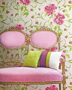 Ana Rosa. Pretty pink space