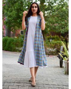 Classic Combo Set is part of Jacket style kurti - Kurta Designs Women, Blouse Designs, Frock Fashion, Fashion Dresses, Indian Designer Outfits, Designer Dresses, Cotton Dress Indian, Cotton Dresses, Casual Frocks