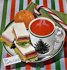 Campbell's soup, 1961. - ✨Vintage, Arts, Architecture (1900-1980)✨ Retro Advertising, Vintage Advertisements, Vintage Ads Food, Christmas Sandwiches, Bean And Bacon Soup, Cream Of Tomato, Campbell Soup Company, Cream Of Wheat, Canned Heat